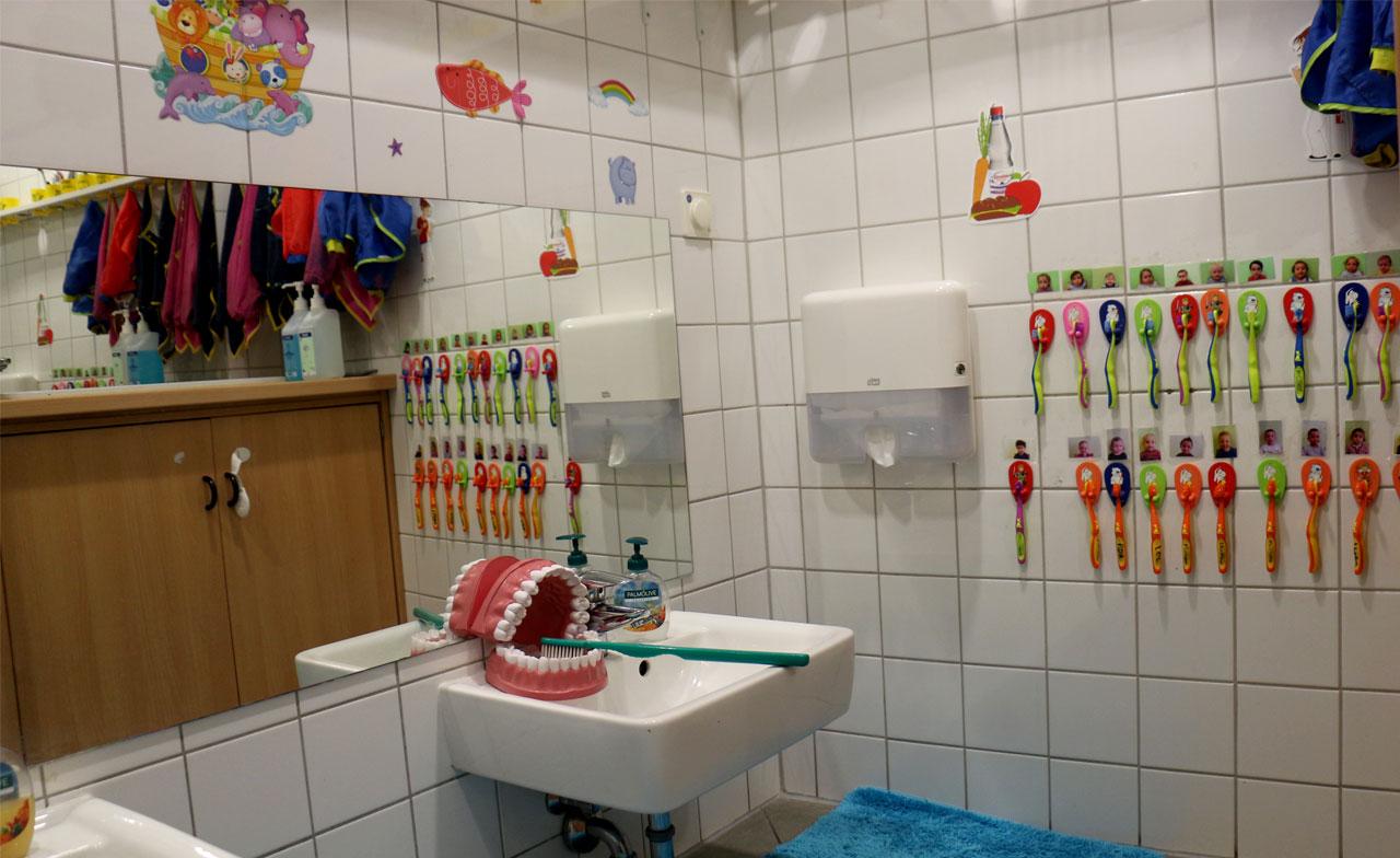Zahnbürsten Badezimmer